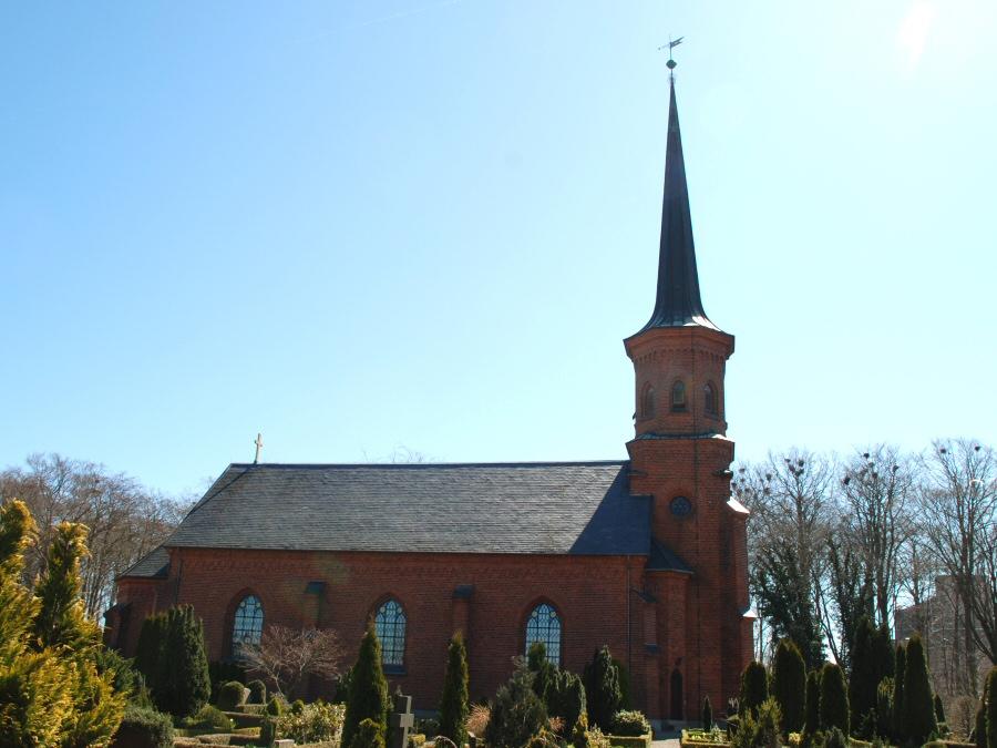 Hylleholt Kirke, Tryggevælde Provsti